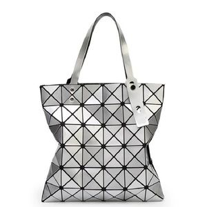 New Silver Geometric Shoulder Handbag